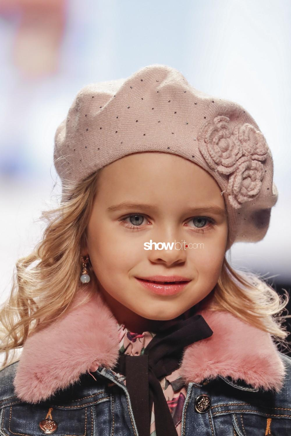 Stefania Pinyagina close-up Kids Fall Winter 2019 2020 Firenze