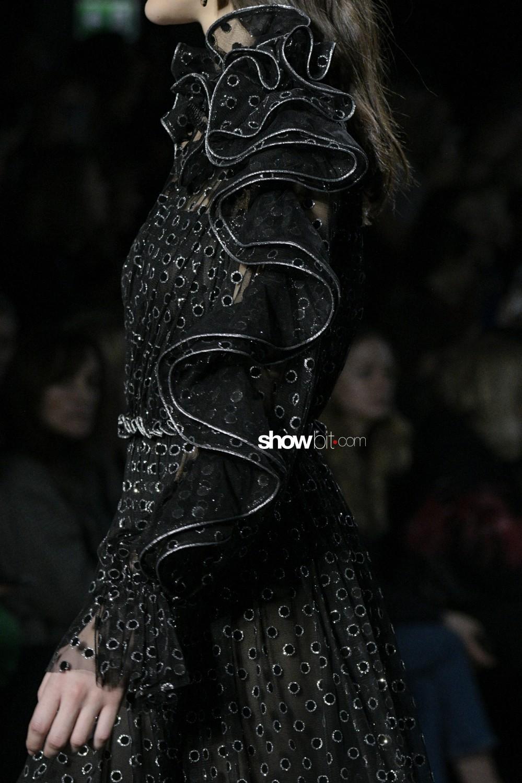 Alberta Ferretti close-up Women Fall Winter 2019 Milano