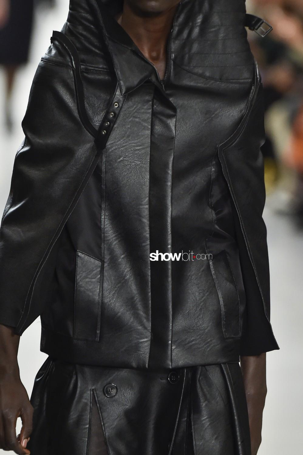 Maison Margiela close-up Women Fall Winter 2019 2020 Paris