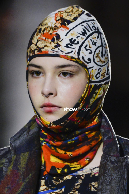 Vivienne Westwood close-up Women Men Fall Winter 2019 2020 London