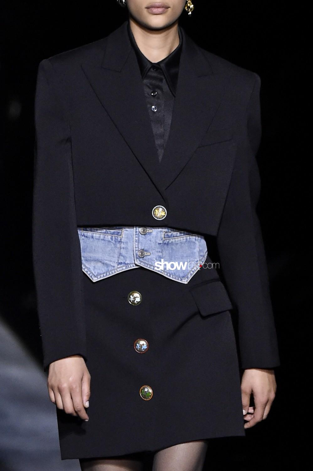 Givenchy close-up Women Fall Winter 2019 2020 Paris