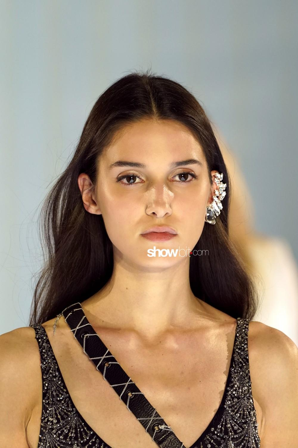 Azzaro beauty Haute Couture Fall Winter 2019 2020 Paris
