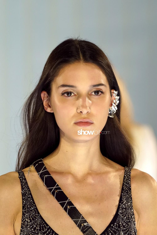 Azzaro beauty Haute Couture Fall Winter 2019 2020 Paris