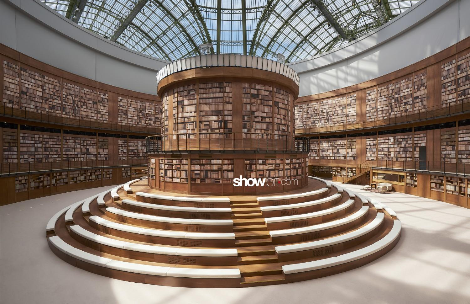 Chanel sceneries Haute Couture Fall Winter 2019 2020 Paris