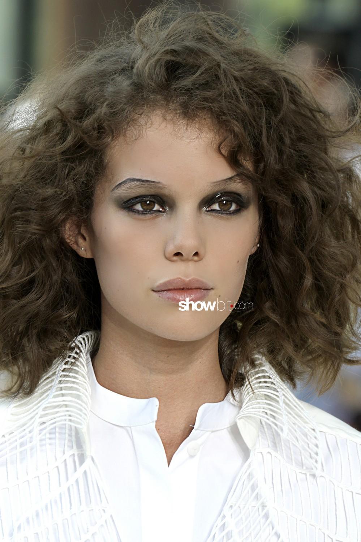 Maison Rabih Kayrouz beauty runway Haute Couture Fall Winter 2019 2020 Paris
