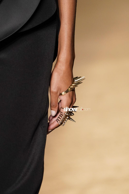 Antonio Grimaldi close-up Haute Couture Fall Winter 2019 Paris Accessories