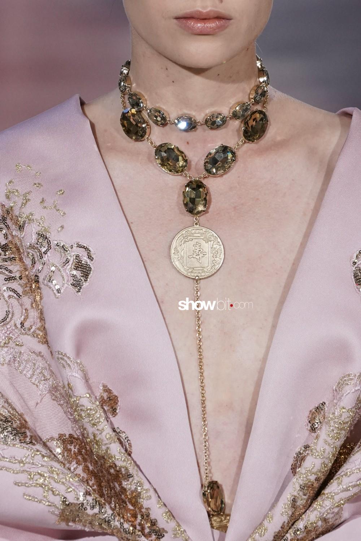 Elie Saab close-up Haute Couture Fall Winter 2019 Paris Accessories