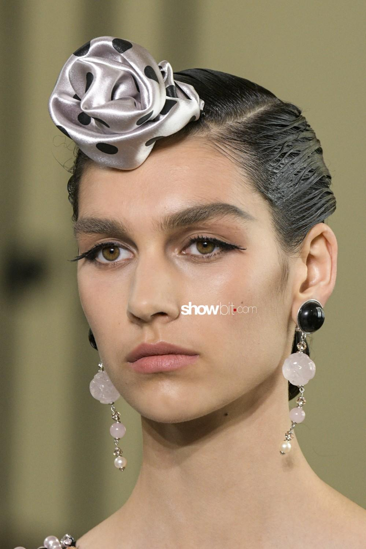 Giorgio Armani Privé close-up Haute Couture Fall Winter 2019 Paris Accessories