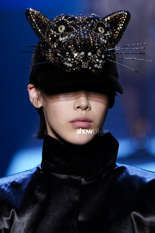 Jean Paul Gaultier close-up Haute Couture Fall Winter 2019 Paris Accessories