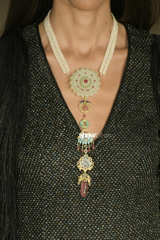 Maria Aristidou close-up Haute Couture Fall Winter 2019 Paris Accessories