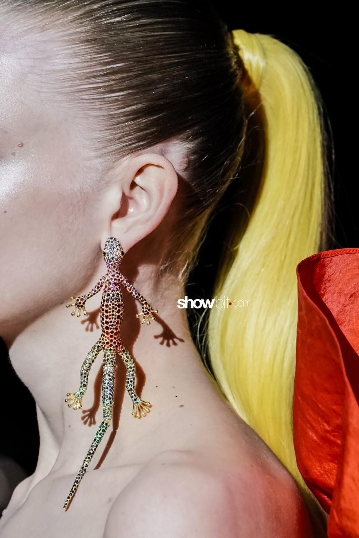 Schiaparelli close-up Haute Couture Fall Winter 2019 Paris
