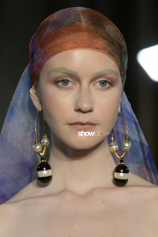 Yolancris close-up Haute Couture Fall Winter 2019 Paris Accessories