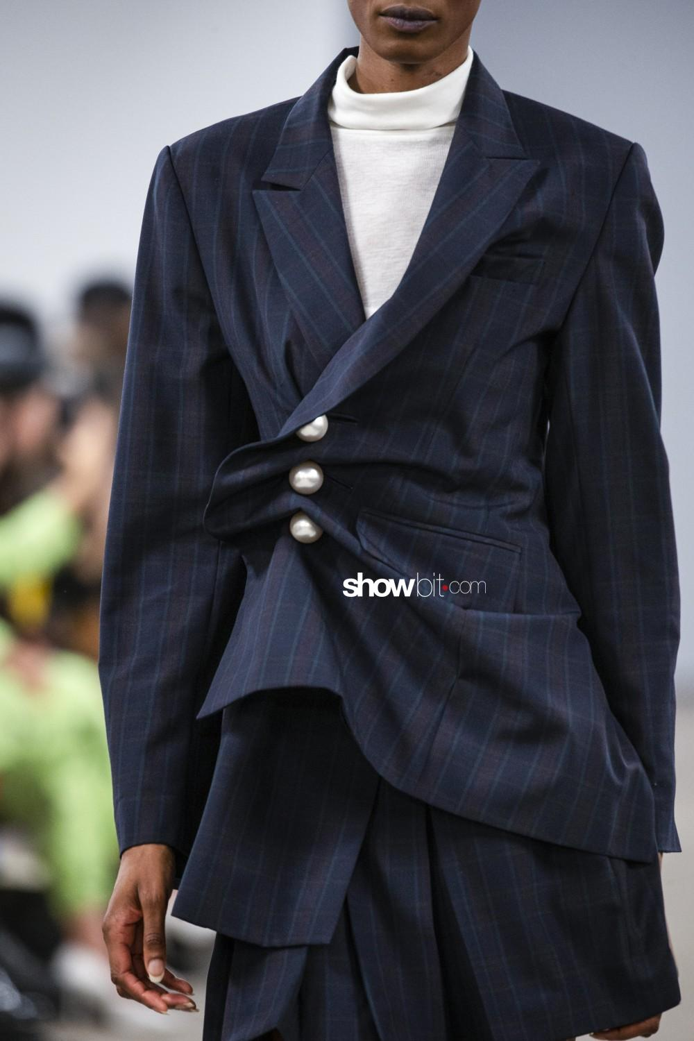 Kimhekim close-up Women Spring Summer 2020 Paris