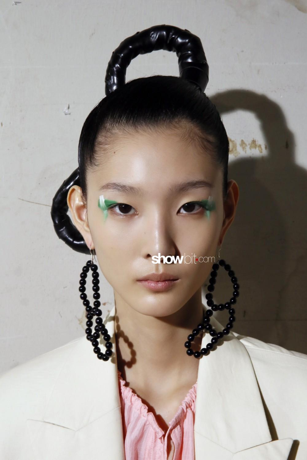 Christian Wijnants beauty backstage Spring Summer 2020 Paris