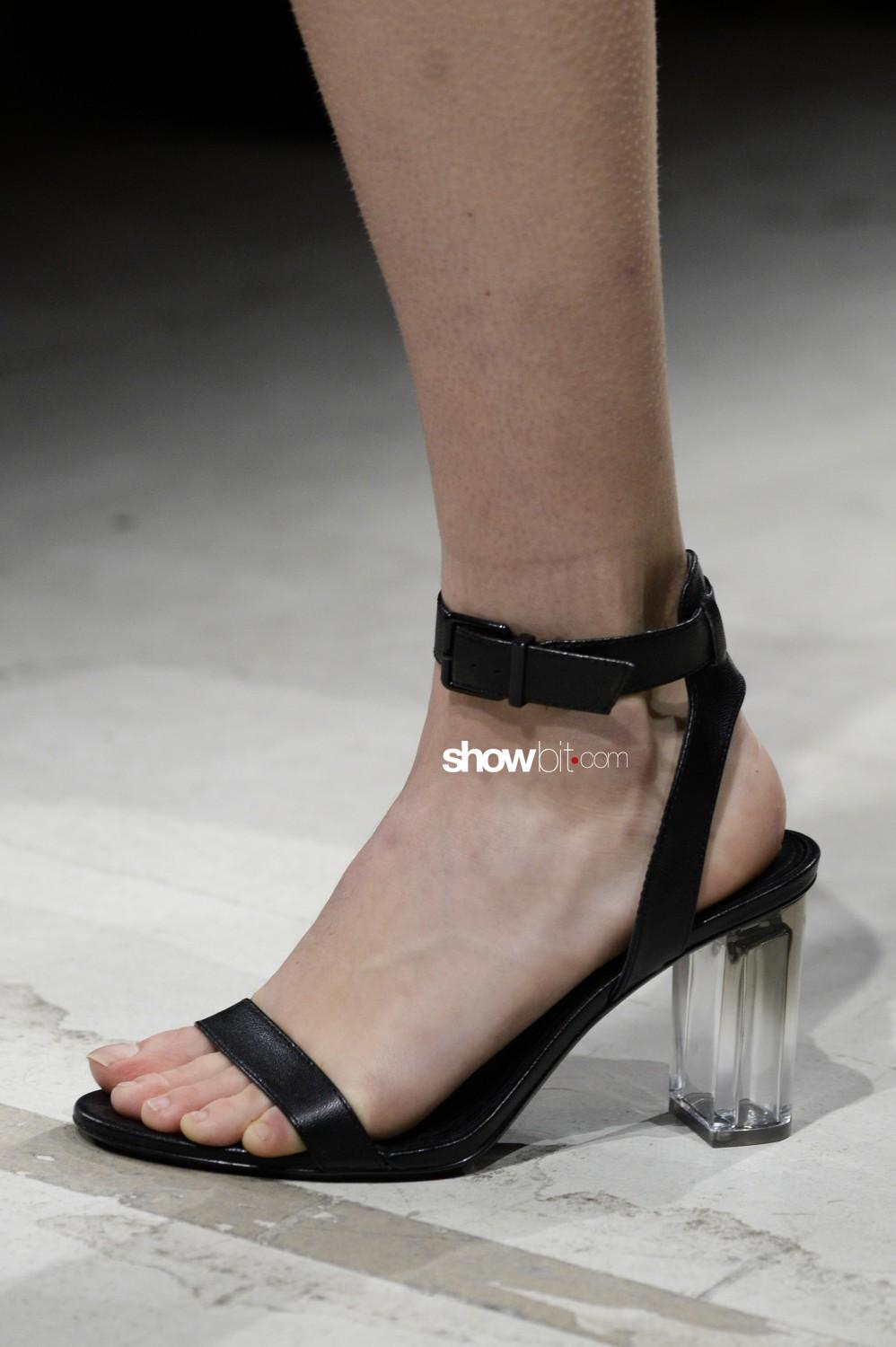 Annakiki close-up Women Fall Winter 2020 Milano shoes