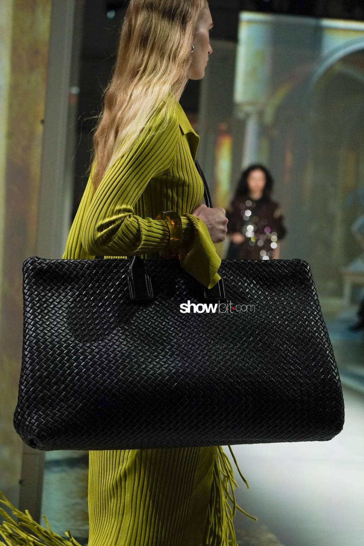 Bottega Veneta close-up Women Fall Winter 2020 Milano bags