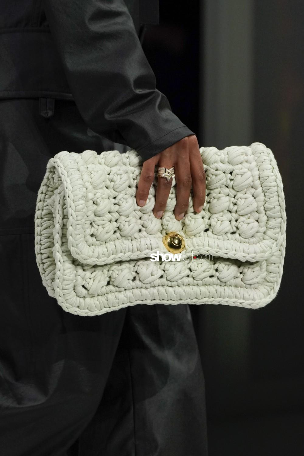 Bottega Veneta close-up Women Fall Winter 2020 Milano bags