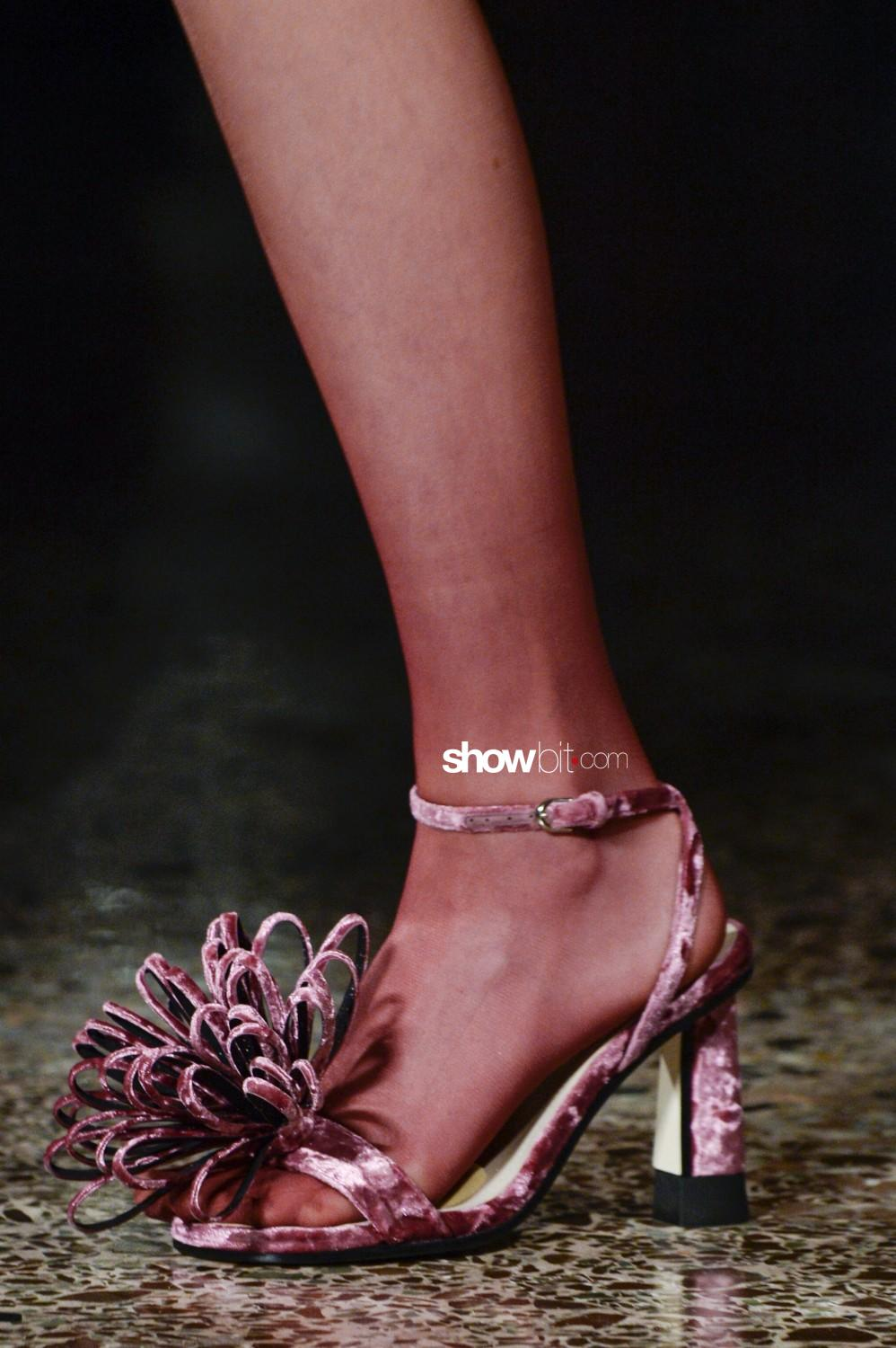 Marco De Vincenzo close-up Women Fall Winter 2020 Milano shoes