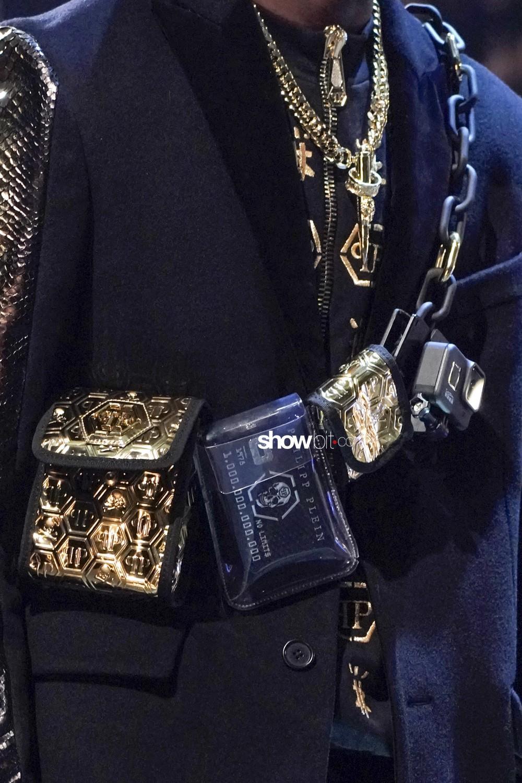 Philipp Plein close-up Women Fall Winter 2020 Milano bags