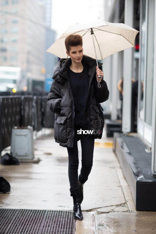 Taoray Wang people street style Women Fall Winter 2020 New York