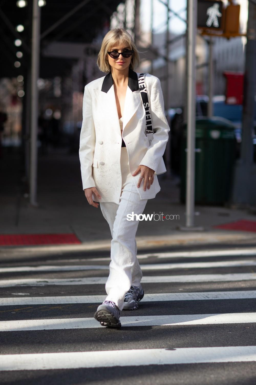 Tory Burch people street style Women Fall Winter 2020 New York