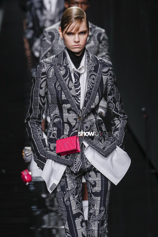 Versace Women Men Fall Winter 2020 Milano bags