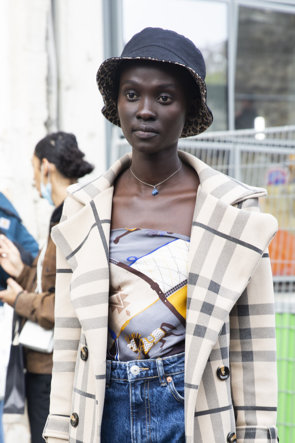 Kenzo people street style Women Men Spring Summer 2021 Paris