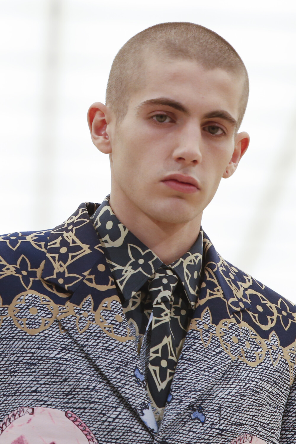Louis Vuitton beauty Men Fall Winter 2021 2022 Paris